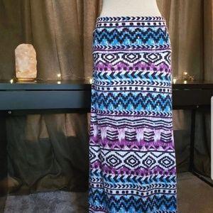 Looking aztec/ tribal print maxi skirt